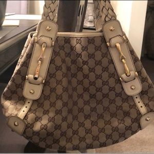 Gucci hobo authentic some wear and tear